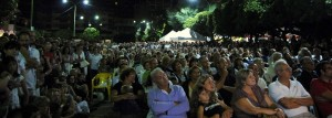 Il pubblico allo spettacolo di Migone