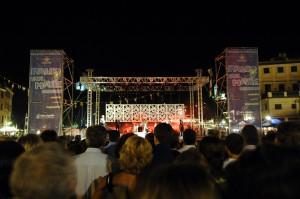 il pubblico al concerto di Malika a Portofino